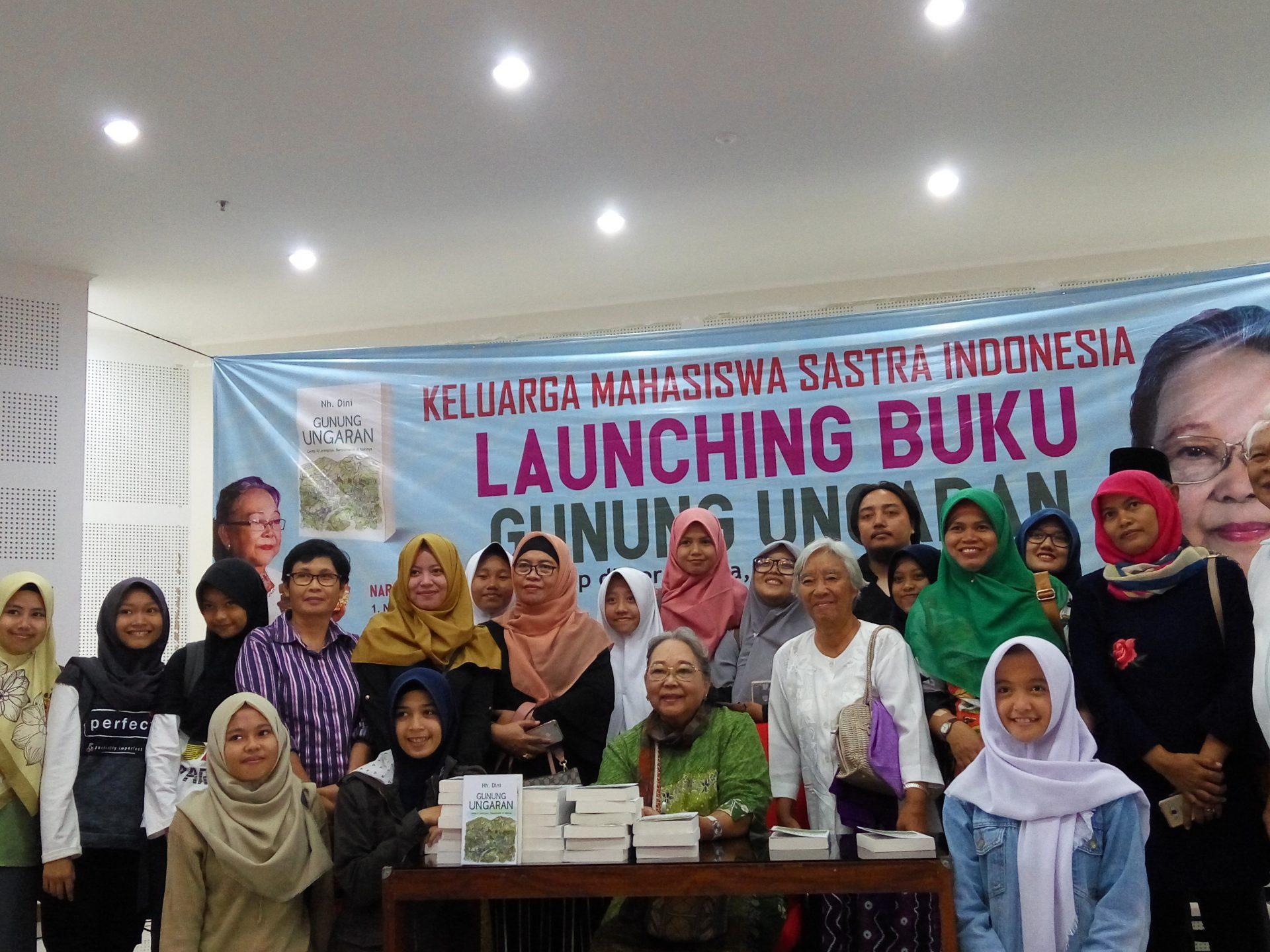 Launching Novel Gunung Ungaran, Merekap Kenangan dalam Tulisan