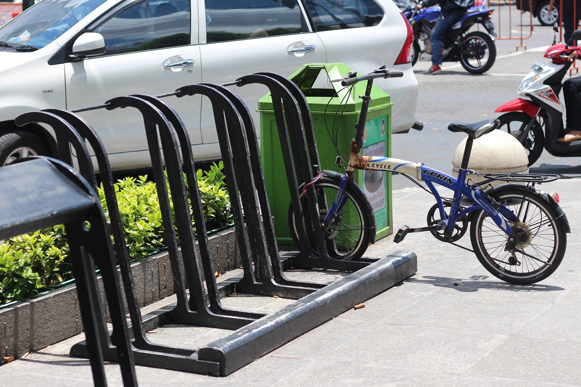 Bersepeda Menelusuri Jalan Malioboro